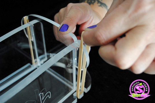 Montage du moule Coprah, les élastiques.